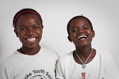 [フリー画像] [人物写真] [子供ポートレイト] [外国の子供] [少女/女の子] [アフリカの子供] [笑顔/スマイル] [ケニヤ人]    [フリー素材]
