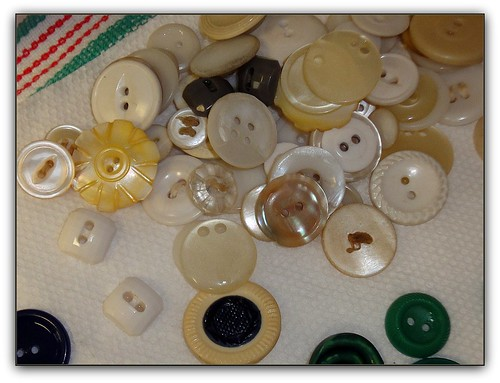 vintage buttons white