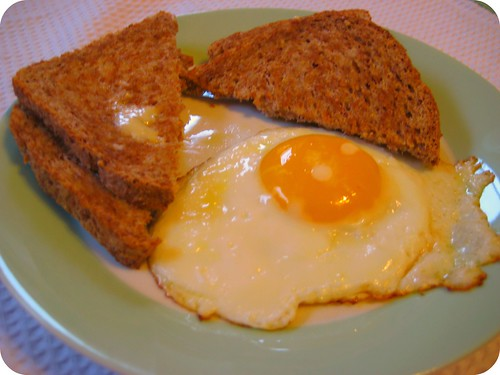 Oh Em Gee I love eggs.