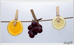 mi tenderete (educifu photo ) Tags: mi casa nikon edu uva naranja inventos bodegon limon cifuentes d90 tenderete