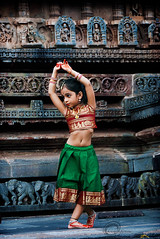 .Art. (.krish.Tipirneni.) Tags: red india green art classic girl pose temple dance kid nikon dancer learning classical karnataka tamil belur hpc bharatanatyam kuchipudi mudra telugu chikmagalur templedance rkt 18200vr d80 indiaart belurtemple newsignature