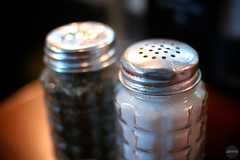 S + P (atmtx) Tags: austin pepper texas bokeh salt saltshaker shaker peppershaker phils philsicehouse