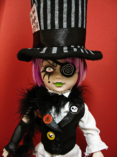 Living dead dolls alice in wonderland sybil as the mad hatter