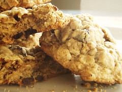 42 - quaker oats oatmeal chocolate chip cookie