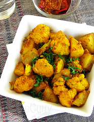 Aloo Gobi /Spiced Cauliflower & Potatoes (Soma.R) Tags: tomato vegan potatoes cinnamon curry vegetarian cauliflower spicy indiancuisine punjabi alu clove glutenfree indiancurry drycurry northindian aloo aloogobikisubzi gobhi curryrecipe vegetarianrecipe howtomakeacurry aloogobirecipe aloogobimasala dryindiancuisine howtomakealoogobi indianaloogobi indiancauliflowerrecipe indianpotatoandcauliflowercurry northindianstaple punjabistaple sauteedcauliflowerandpotato vegetariandrycurry