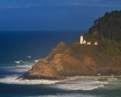 A Spotlight on Oregon's Wild Coast (Fort Photo) Tags: ocean light wild lighthouse nature oregon coast nikon surf waves pacific head or wave shore coastline sunbeam 2010 heceta d300 hecetaheadlighthouse platinumheartaward