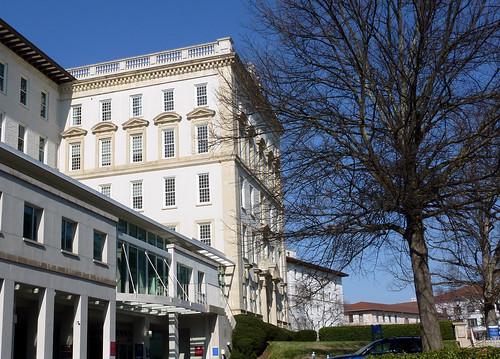 P1000635-2010-02-07-Shutze-Emory-Hospital-South-Facade