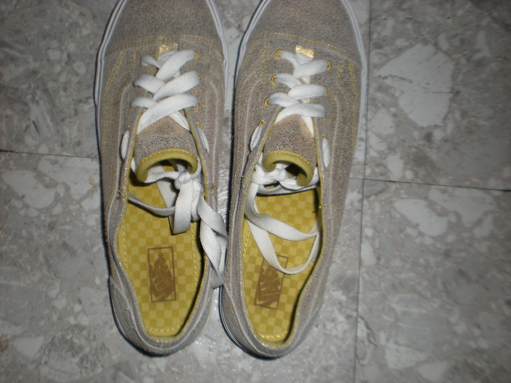 02970b8a2e 023 (Lola05t) Tags  old metal gold shoes lo skool pro vans cracked