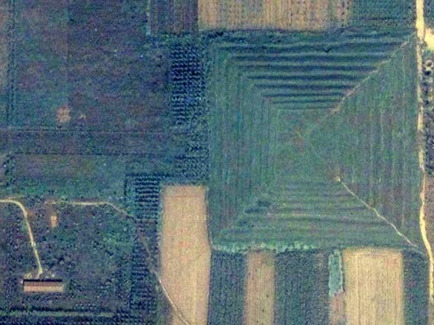 China_Pyramid_Giza_Main_02