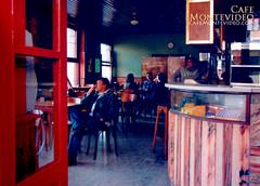 bar iberia bares cafes montevideo 2