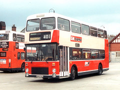 A 401 for post 401. (GMN 5210 C210FVU) (GMB 5120 (Mark)) Tags: bus oldham ashton metrobus mcw middleton 5210 northerncounties gmn gmbusesnorth gmexpress c210fvu 401service