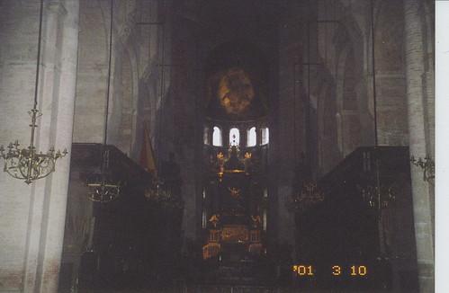 2001-03-10 Toulouse France (dedans la Basilique Saint-Sernin 3)