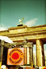 IMAGE0027_25A (putyourphazzersonstun) Tags: summer berlin holga135 lomographic100isofilm
