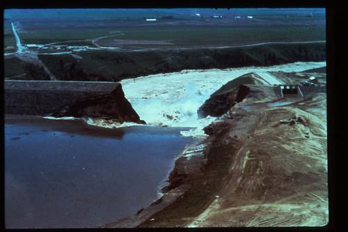 Teton Dam Broken
