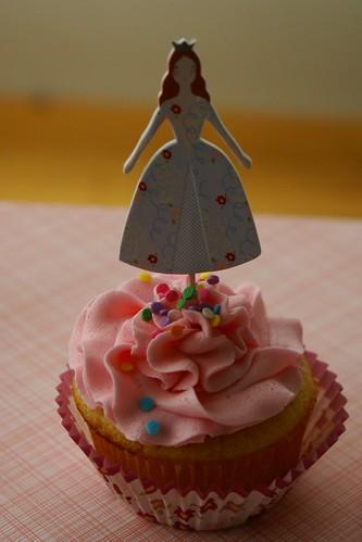 esme's birthday cupcakes!
