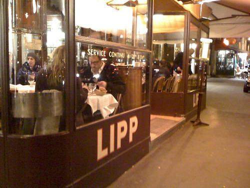 Service Continu, Brasserie Lipp