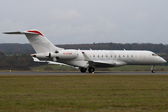 M-GYQM - 9189 - Private - Bombardier BD-700-1A10 Global Express XRS - Luton - 091214 - Steven Gray - IMG_5275