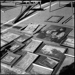 (pianococtail) Tags: pictures old slr 120 6x6 film market delta bronica salamanca 3200 sq ilford mercadillo cuadros zenza