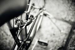 mundane - I (Profeta/Paranoia) Tags: bw bike canon 50mm nikon dof bokeh bicicleta bn mk2 5d 12 nikkor 50 pdc mkii markii f12 ws mark2 5d2 radfahr 5dmkii 5dmk2 fwo5012