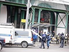 Attentato terroristico alle stazioni metropolitane di Mosca: vigili del fuoco in azione