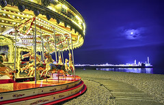 Carousel, Moon & Pier (Pepeketua) Tags: uk england moon beach night photoshop canon pier brighton hove go sigma carousel palace around merry 1020mm 16mm hdr manege lightroom caroussel 400d dphdr