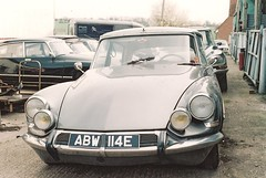 DS Workshop (vespamore photography) Tags: classic car citroen ds olympus om10