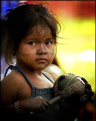 Criança indígena amazônica (Ricardo_ Lima) Tags: red brazil yellow brasil children square amazon ethnic indigenous wsf forumsocialmundial amazônia etnia brazilianindigenous lamazon amazonchildren indigenousgroups criançasindígenas amazonindigenous gruposetnicosamazônicos