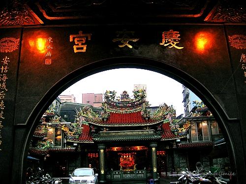 基隆‧慶安宮大門