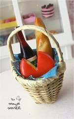 French Picnic Basket in Spring (1/12 scale)