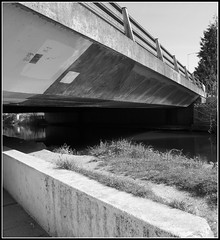Zigzag (Alistair Haimes) Tags: blackandwhite monochrome underpass salisbury zigzag s90 hardlight gettyimagesuklocation