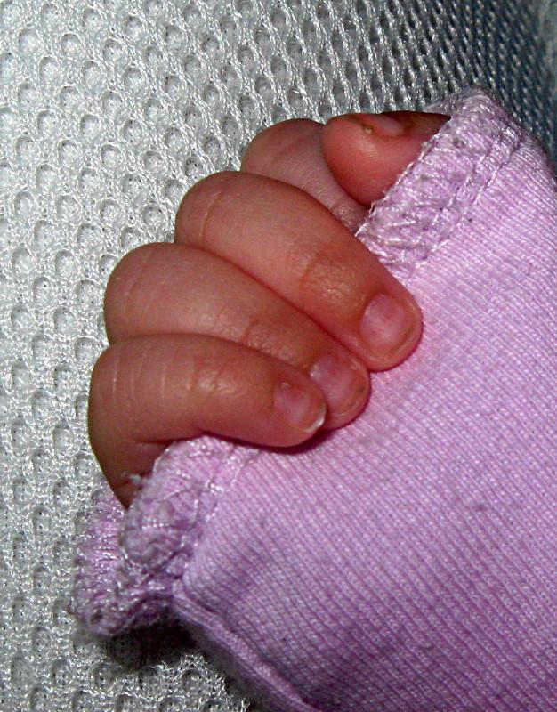 22-04-2010-dearest-hand