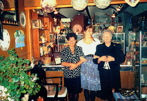 Staff of Keepsavers Antique Shop, 1991.