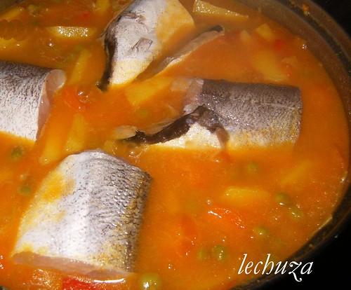Pescadilla guisada-añadir peixe