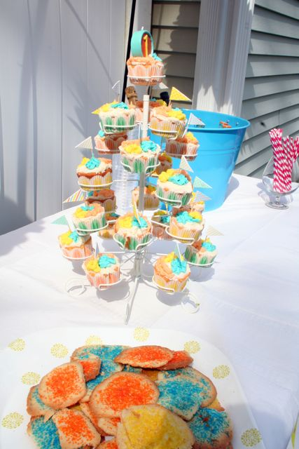 cupcake tower and cookies