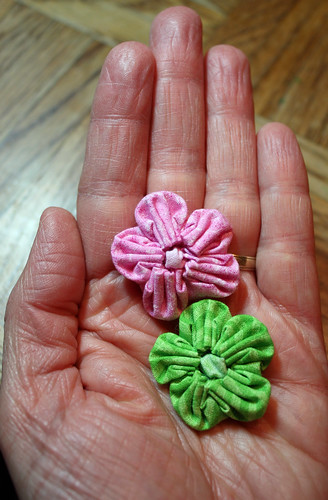 Pink and green flower yo-yos