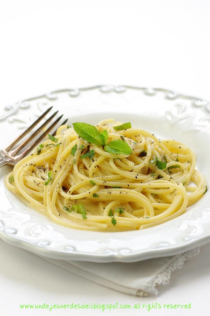Spaghetti cacio e pepe comme à Rome