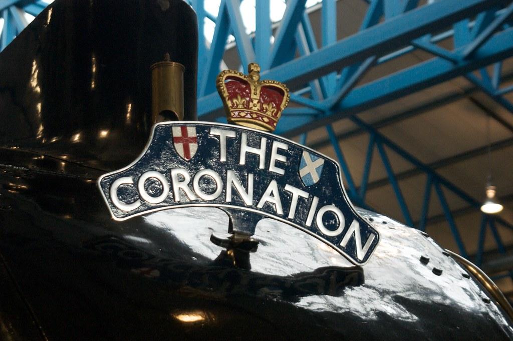 Headboard Coronation