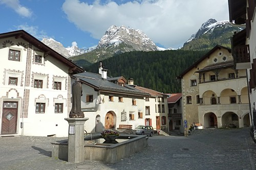 Photo ville scuol suisse
