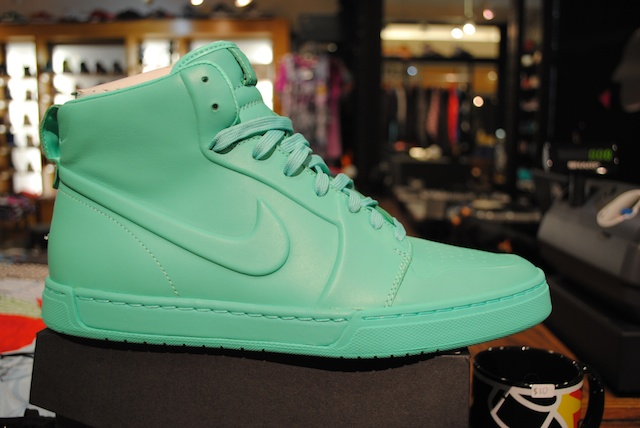 Nike Air Royal VT Teal