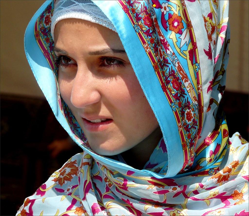 turkish candid girl pics
