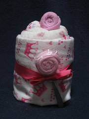 Pinkie Cakes (Cupcake Kisses) Tags: pink baby cute cakes girl cupcakes soft candy sweet sassy towel flannel babyblanket ultrasoft receivingblanket cupcaketowel bathtowelset washclothtowelset cupcaketowelset