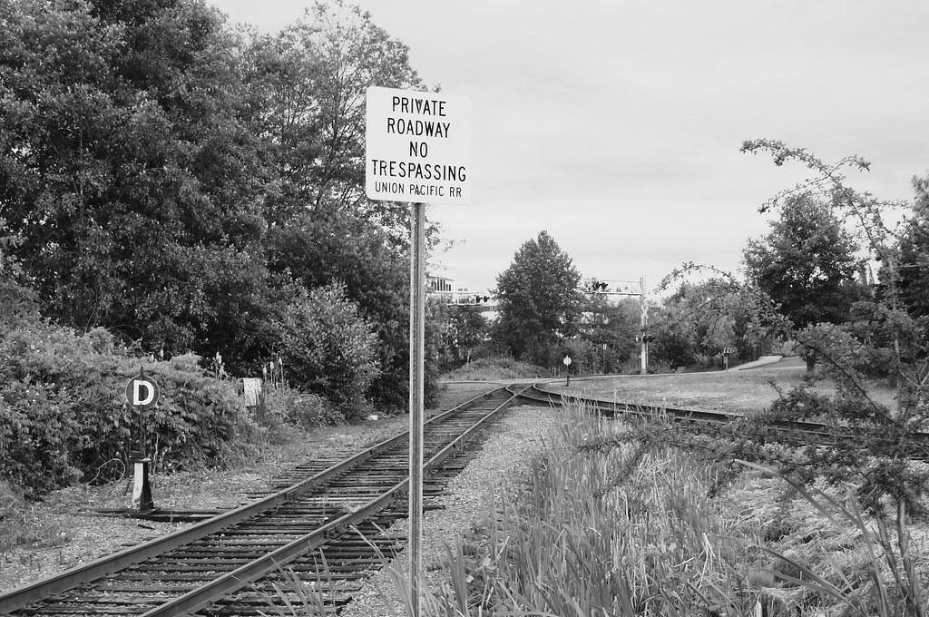 Private Roadway No Trespassing UPRR