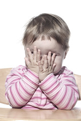 [フリー画像] 人物, 子供, 赤ちゃん, 顔を隠す, 201006080900