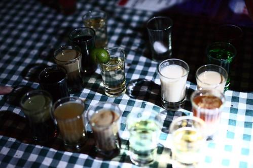 一杯一杯擺放,一杯一杯介紹...
