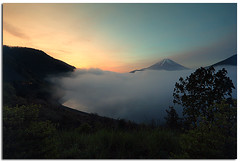 View of Mt. Fuji @ Lake Motosu (Motosuko) (YYZDez) Tags: mist mountain lake japan fog clouds sunrise asia fuji view cloudy   mtfuji yamanashi fujigoko  fivelakes   motosuko yamanashiprefecture lakemotosu fuji5lakes