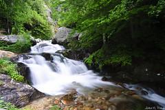 (Aida Poza) Tags: agua paisaje piedras cascada composicion nautraleza