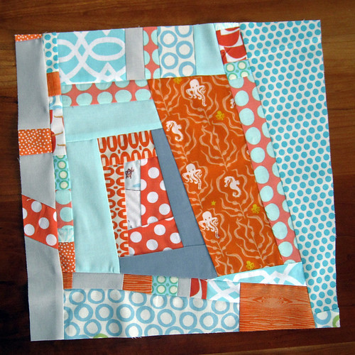 Fussy Cut Bee June block2