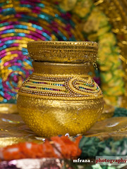 Life is a festival only to the wise (Muhammad Fahad Raza) Tags: pakistan 50mm golden dof bokeh culture punjab bazar mehndi raja rawalpindi shehar pakistaniwedding pakistaniculture colorfulbokeh zuikodigital50mmf20 rajabazar androon androonshehar rajabazarrawalpindi