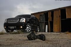 (Talal Al-Mtn) Tags: street light red black canon rebel automobile automotive rover automatic land kuwait manual landrover gmc v8 talal xsi behbahani 450d canon450d lm10  inkuwait  almtn talalalmtn  talalalmtnphotography photographybytalalalmtn