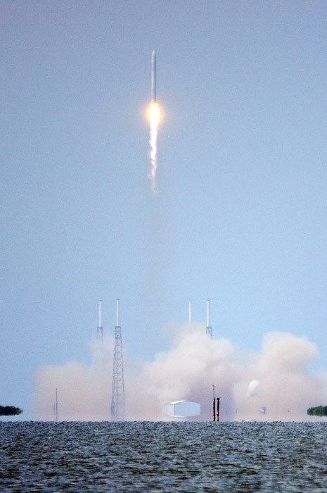 web_spacex_falcon9_0033_2847
